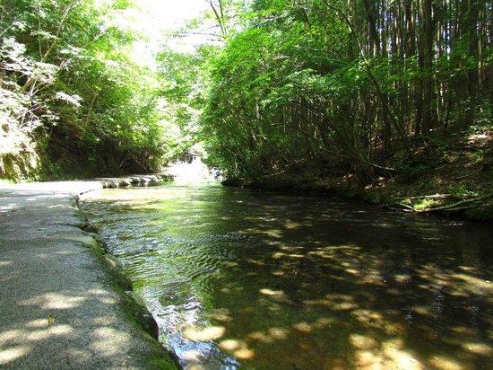 Usa, Japonia: 岳切渓谷入り口付近