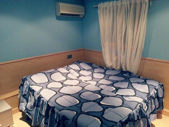 Hostal Horno de Aralar: Habitación.