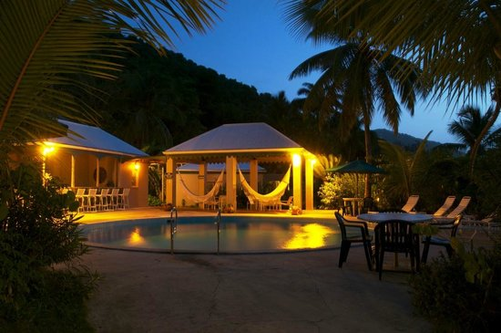 Sugar Mill Hotel: Pool Area at Night