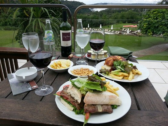 Melia Iguazu: Lunch.