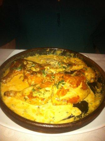 Tarkhun : crispy, crusty chicken with garlic and cream