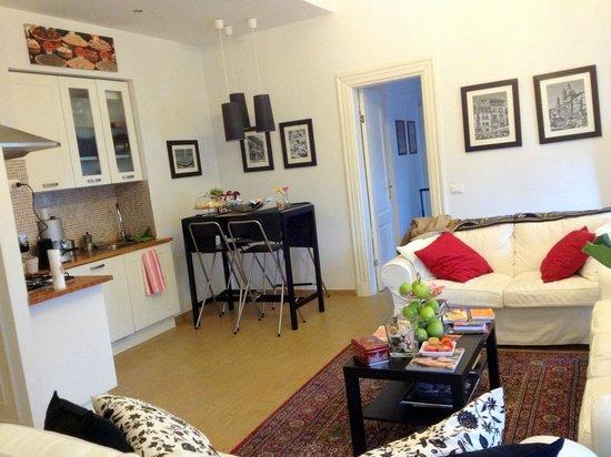 Pigneto Luxury Rooms : cosy living room