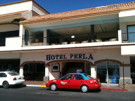 Hotel Perla : entrada del hotel