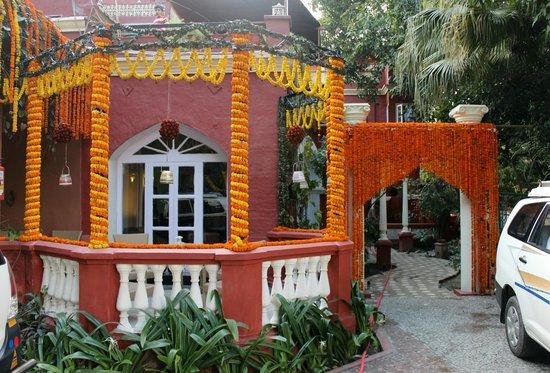 Ranjit's SVAASA : Marigold Hotel