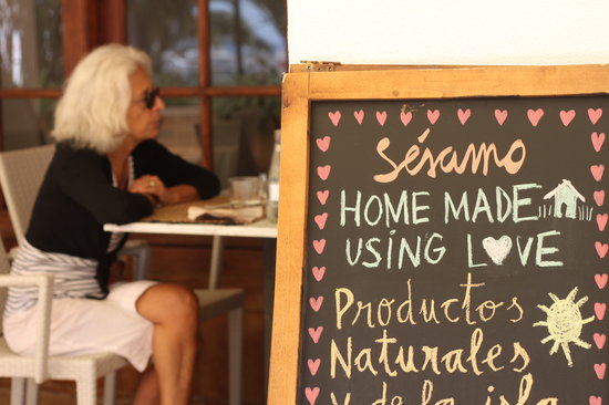 Sesamo Cafe Chai Restorante: getlstd_property_photo