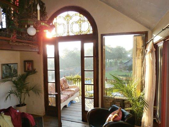 Heavens Holler B&B: View to balcolny