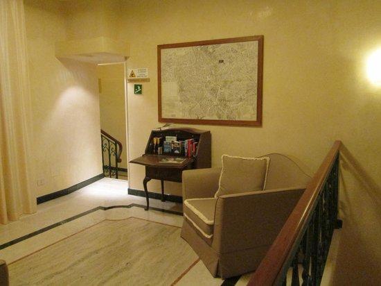 Aberdeen Hotel: reading area
