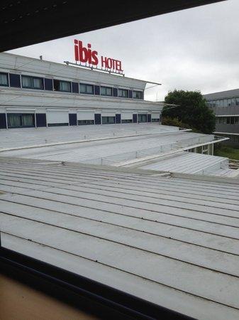 Hotel Ibis Site du Futuroscope : une autre vu de la fenetre de la chambre