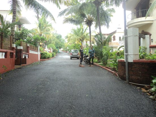 Aguada Anchorage - The Villa Resort: View from the resort entrance
