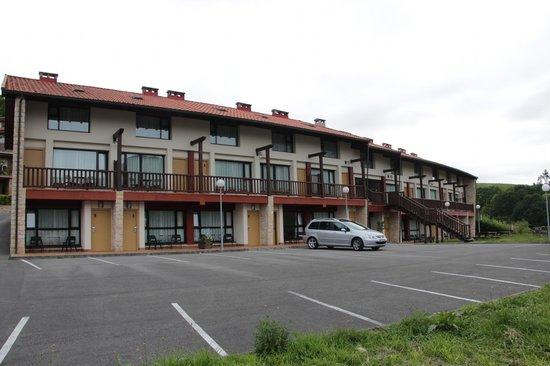 Apartamentos Aldea del Puente: Area privativa de parking