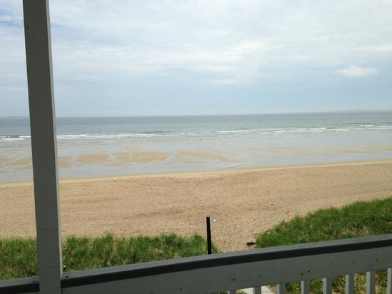 Normandie Oceanfront Motor Inn: View from our room (Room 31)