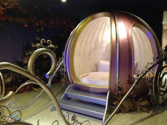 Sato Castle Motel: the pumpkin bed