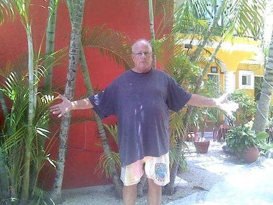 El Acuario Hotel: mike formerly from atlanta