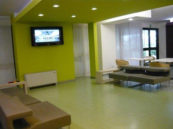 Zona tv - Foto di Agrate Brianza, Provincia di Monza e Brianza ...