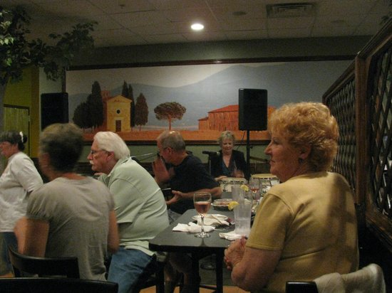 Marianna's Restaurant and Banquet Center: Our Full Bar gets Full for Live Entertainment