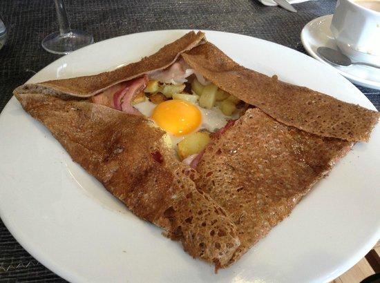 Crêperie La Marie Cécile : wonderful lunch crepe