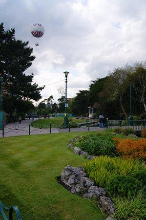 Bournemouth Balloon: Balloon from the park gardens