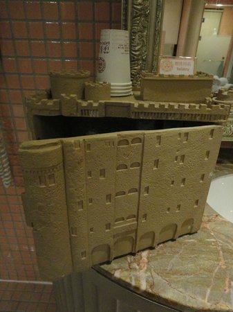 Sato Castle Motel: Bathroom