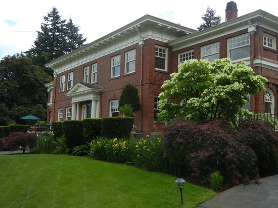 Portland Mayor Mansion Bed And Breakfast
