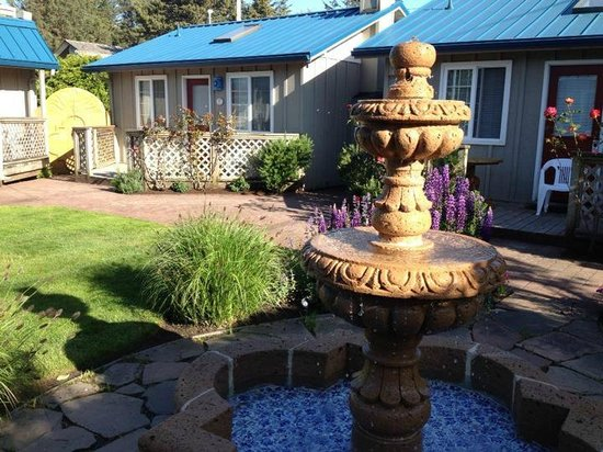 Inn at Haystack Rock: Our cottage in the courtyard