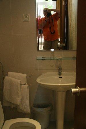 Pensao Residencial Portuense: bath