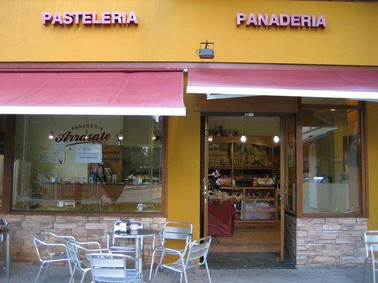 ARRASATE  Cafeteria - Panaderia - Pasteleria: Cafetería-Panadería ARRASATE
