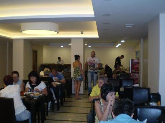 Hotel Golden Sky: Yemek Salonu