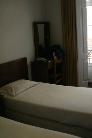 Pensao Residencial Portuense: room