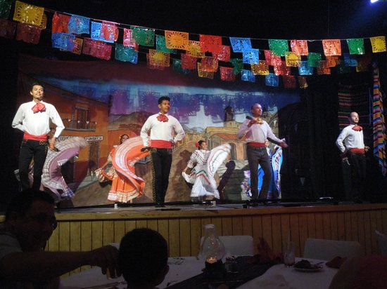 Friendly Vallarta All Inclusive Family Resort: Mexican Dinner and entertainment