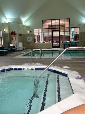 Residence Inn Lexington Keeneland/Airport: pool and hot tub