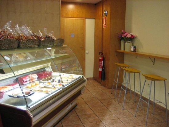 ARRASATE  Cafeteria - Panaderia - Pasteleria: Todo ciudado al máximo detalle
