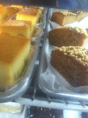 Ricomini Bakery : Enjoy dessert and yummy Rican Coffee!