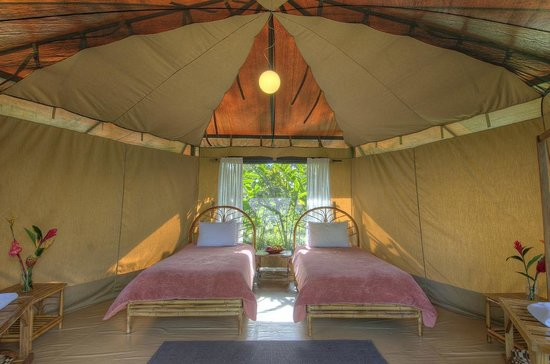 Pura Vida Retreat & Spa: Tent Accomodations Inside
