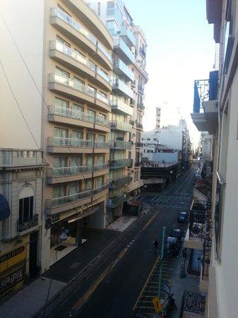 Hotel A&B Internacional: Vista lado direito