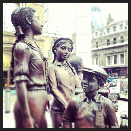 Undiscovered London : Our meeting point for the East End Tour outside Liverpool Street
