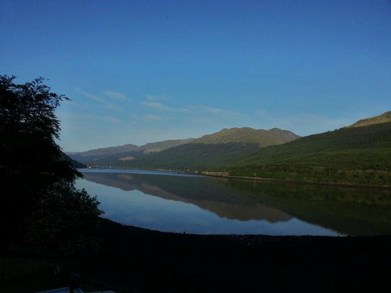 Lochside Guest House: Moring view from our room