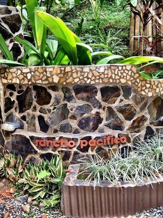 Rancho Pacifico: Entrance