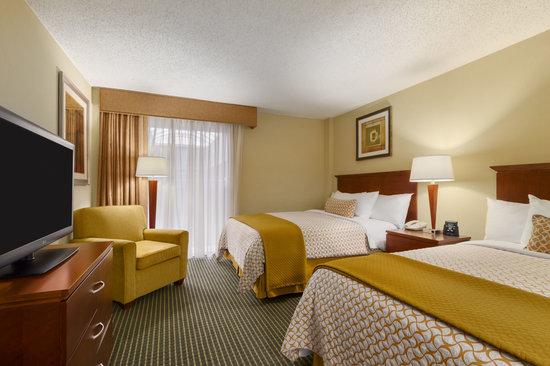 Embassy Suites by Hilton Winston - Salem: Double Double Suite