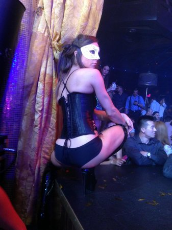 XS Nightclub: nice dancers