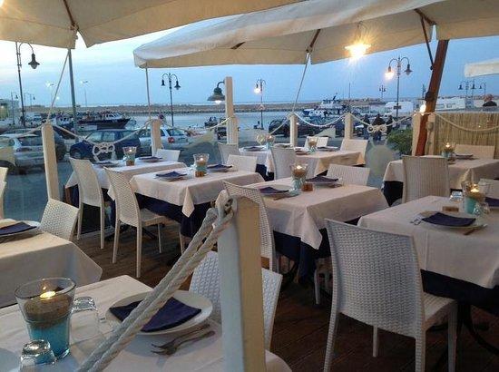 Savelletri, Italien: La nostra terrazza sul porticciolo