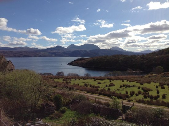 Colonsay B&B : beautiful view! so peaceful, just sound of birds & lambs!