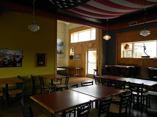 Shooters Firehouse Brewpub : Shot of the inside.