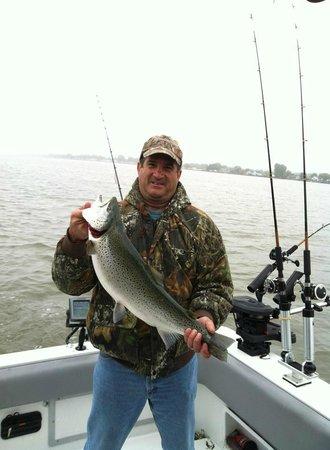 Charter fishing lake ontario rochester ny omd men for Fishing charters rochester ny
