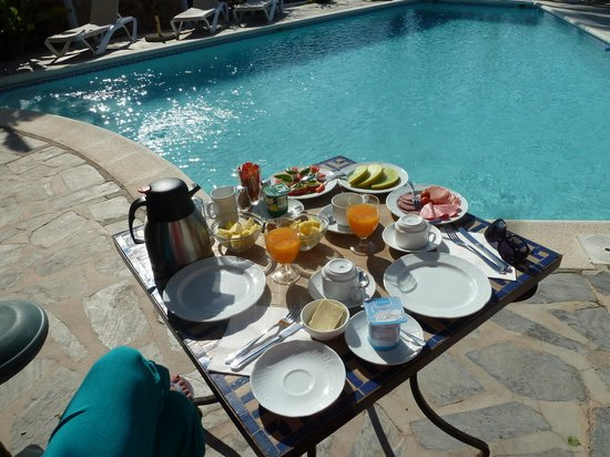 La Finca Ibiza: Breakfast by the pool