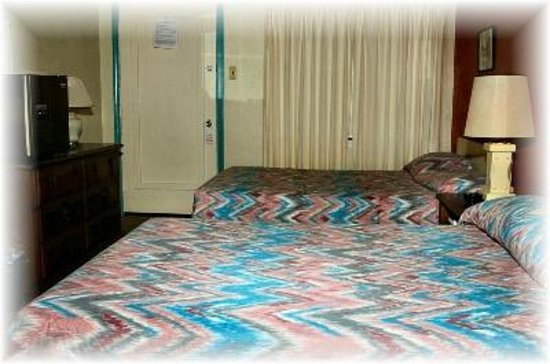 Sunset Beach Hotel: Nova Motel Room