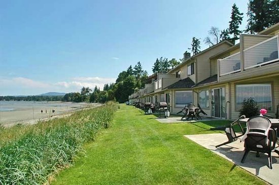 Madrona Beach Resort: Beach Front 2 Bedroom Townhouses