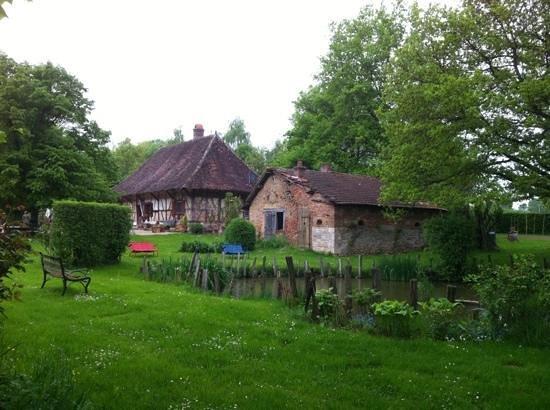 La Ferme de Marie-Eugenie : jardin