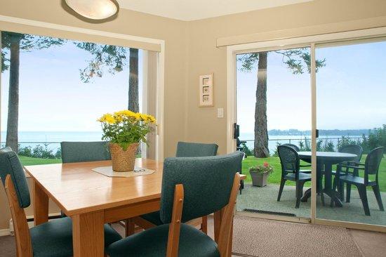Madrona Beach Resort: View from Oceanview Studio up on Ridge