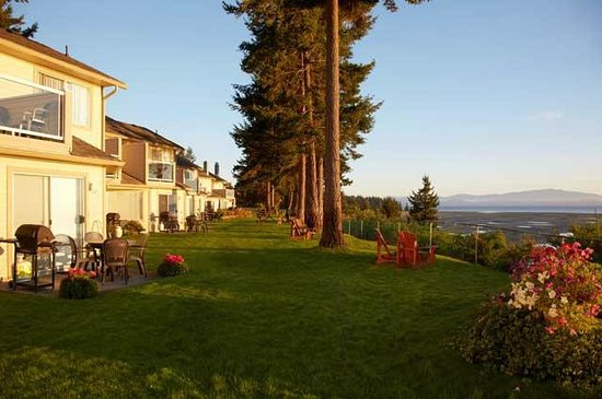 Madrona Beach Resort: Ridge grounds