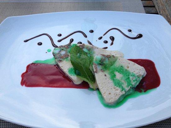 Möhringer Hexle: Mint Parfait with Strawberry Sauce